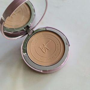 it Cosmetics CC+ Perfecting Powder Medium Tan